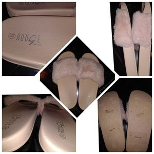 Rouge Helium Pink Fluffy Slippers Size 10 New